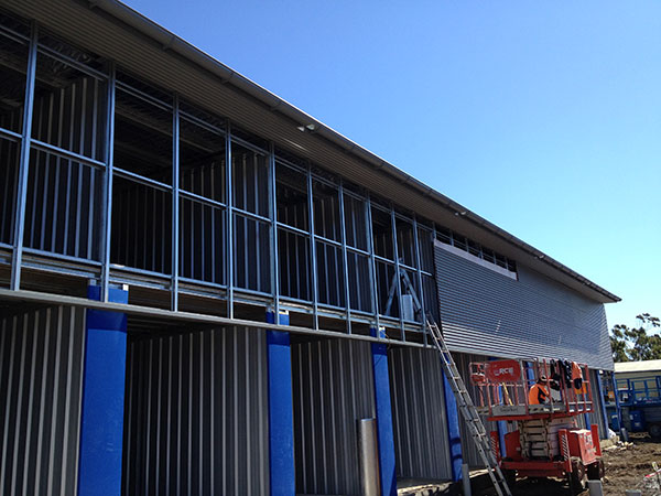 Quikdeck Roofing Services Commercial and Industrial Project - Kennards Self Storage, Wollongong - ../../dc/gallery/lrg/1KSS-Wall.jpg