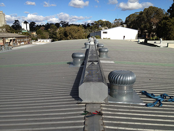 Quikdeck Roofing Services Commercial and Industrial Project - North Shore Timber & Aquatic Centre, Thornleigh - ../../dc/gallery/lrg/1NSTimber.jpg