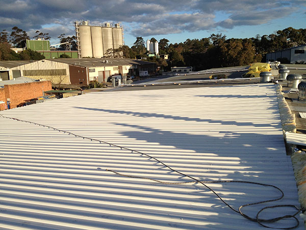Quikdeck Roofing Services Commercial and Industrial Project - North Shore Timber & Aquatic Centre, Thornleigh - ../../dc/gallery/lrg/4NSTimber.jpg