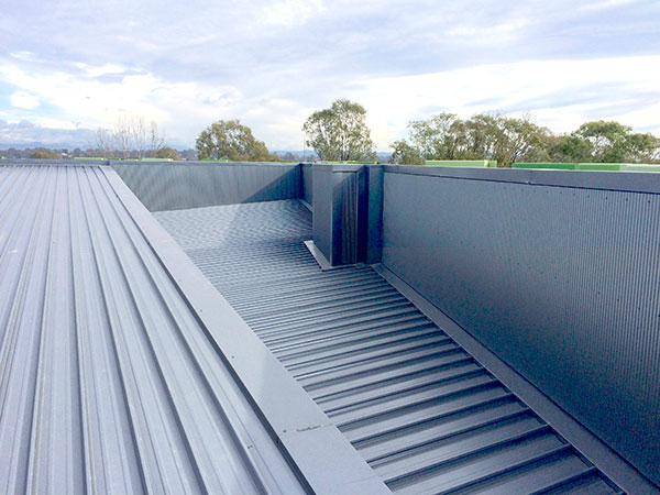 iFly Downunder commercial metal roofing project by Quikdeck Roofing contractors - Before 2